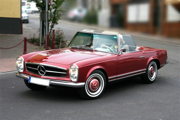 Mercedes-Benz_230_SL,_Bj._1964_(2009-05-01)