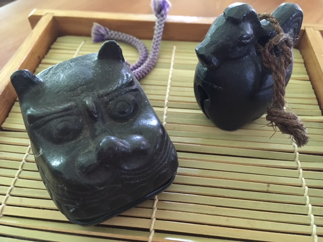 Two iron bells - a horse and a dragon's head