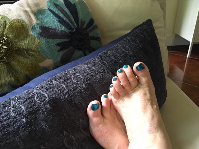 Freshly painted toenails always make me feel better