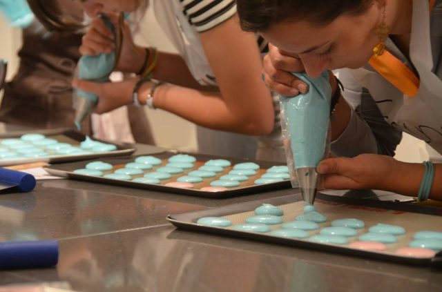 Learning to make macarons in Paris