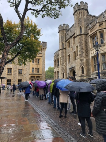 The line to view the Crown Jewels moved quickly