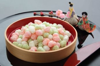 Sweetened Rice-flour Cakes for Offering at Dolls' Festival in Japan