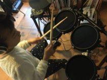 C got a drum kit!